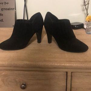 Black bootie shoes